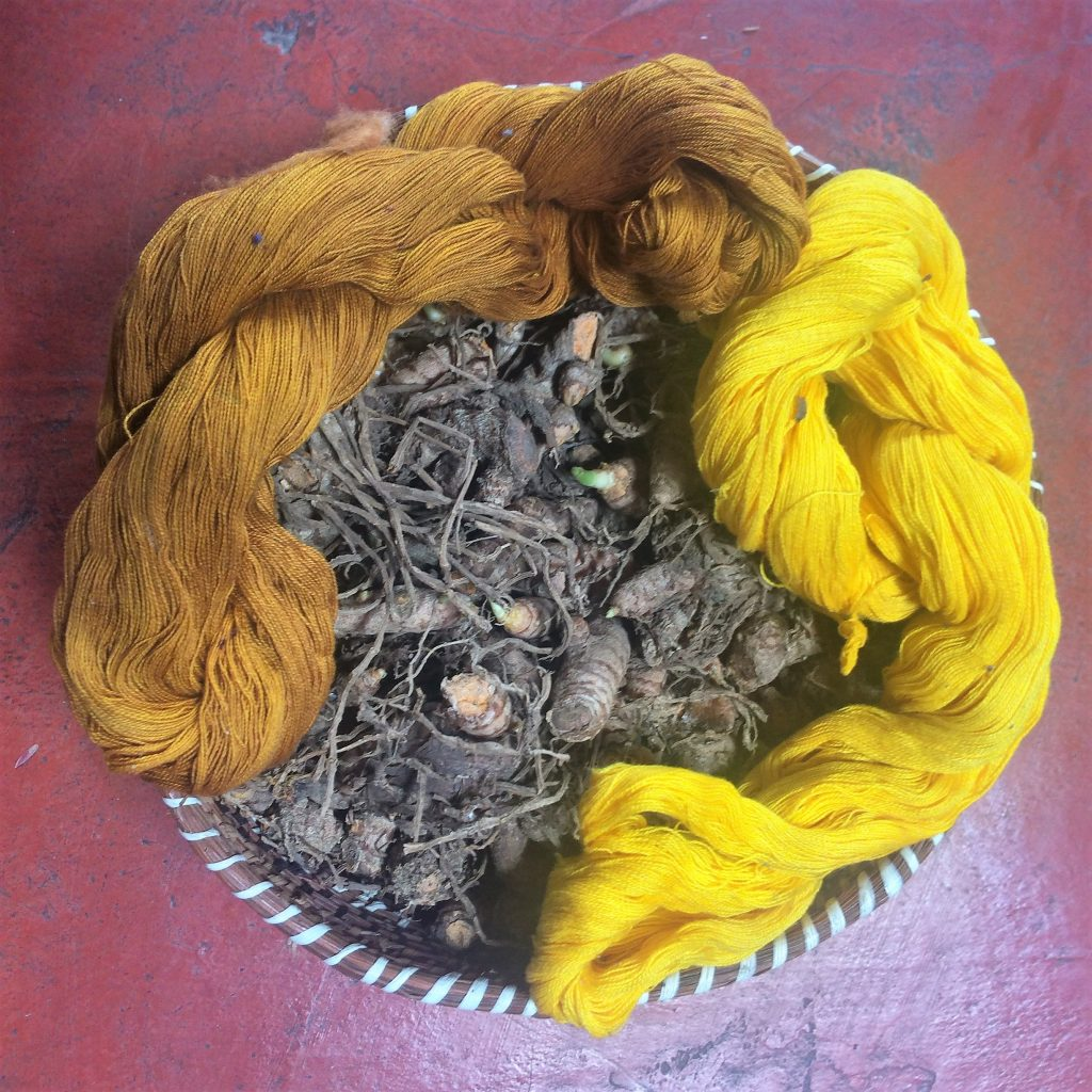 using turmeric to make yellow fabric dye